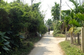 Biking Cam Kim Island.