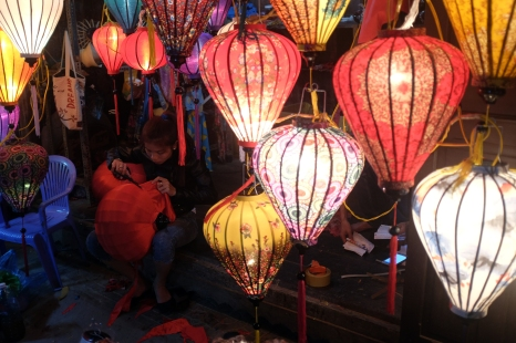 Preparing new lanterns for Tet.